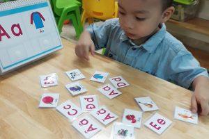 dạy bé học chữ cái