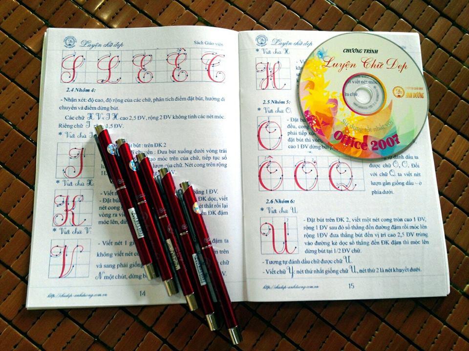 sách vở luyện chữ đẹp