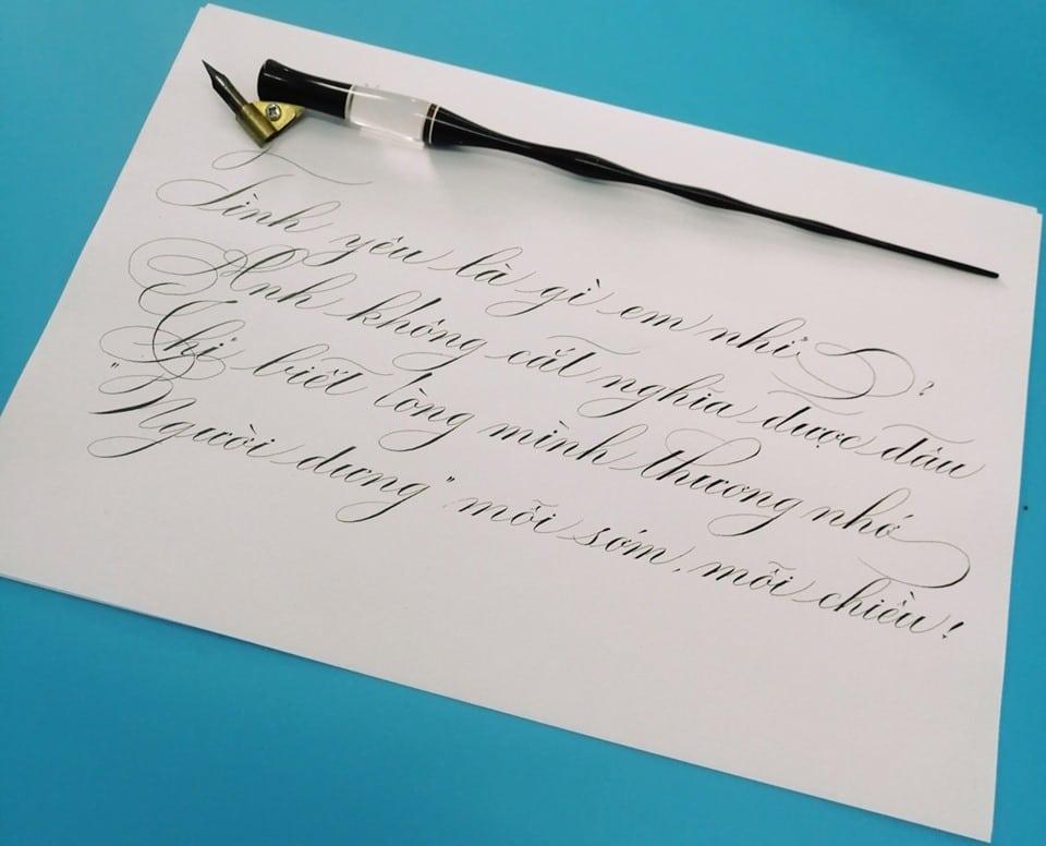 Viết chữ sáng tạo